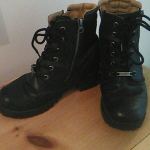 Ladies Harley Davidson Boots,size 8.Used